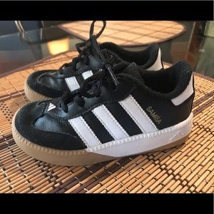 Toddler boy adidas soccer shoes size 8